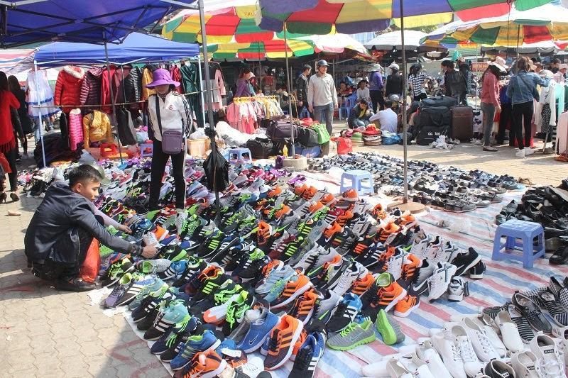 Nhiều ưu đãi khi mua hàng ở cửa khẩu Trung Quốc